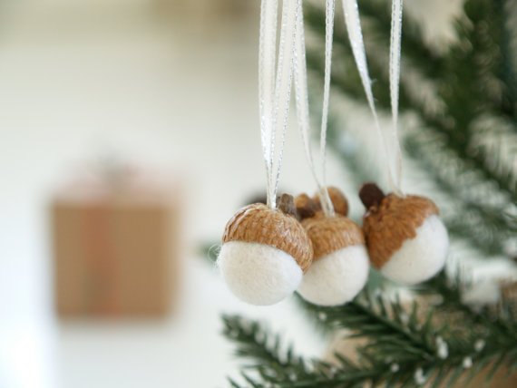 Felted Acorn Kit ~ White Christmas Ornaments — The Magic Onions Store