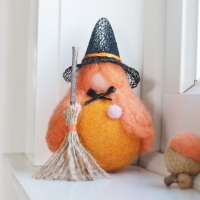 Needle Felted Halloween Witch Toys : The Magic Onions Shop