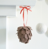 Felt Pine Cone Kit :: DIY Tutorial :: www.theMagicOnions.com/shop