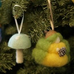 Discovering Waldorf :: Creating A Christmas Mood