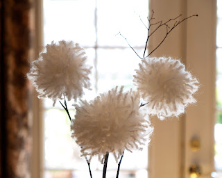 Pretty White Yarn Dandelions