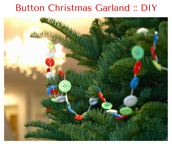 Button Christmas Garland :: DIY Tutorial :: www.theMagicOnions.com