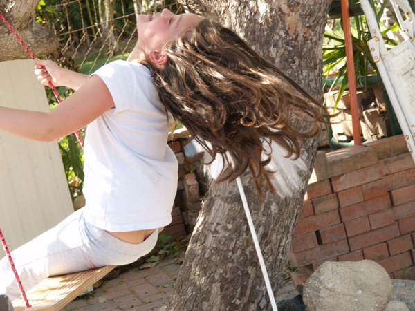 Make a Tree Swing - www.theMagicOnions.com
