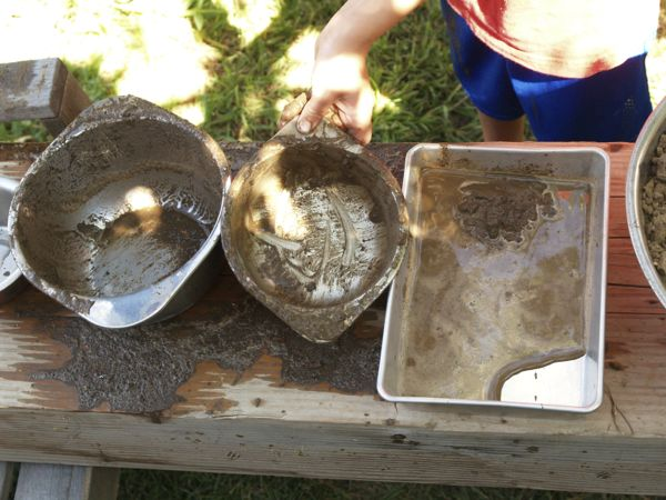 Make a Mud Kitchen : Autumn Fun for Kids : www.theMagicOnions.com