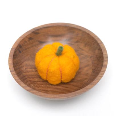 Felted Wool Pumpkin Tutorial : The Magic Onions : www.theMagicOnions.com