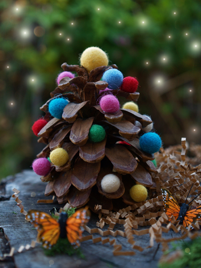Felted Wool and Pine Cone Christmas Tree DIY Tutorial