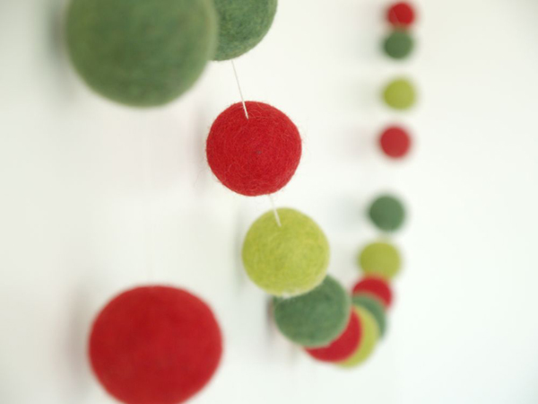 Christmas Felted Wool Garland : www.theMagicOnions.com/shop/