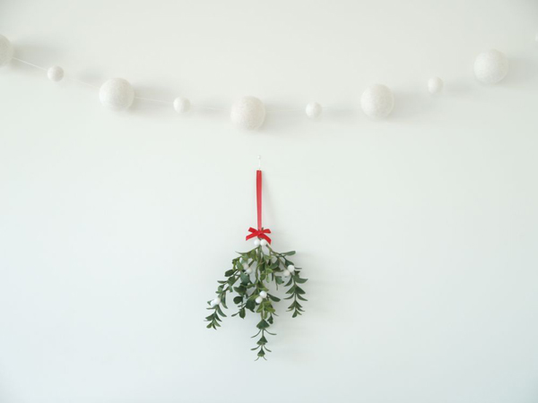 Felt Mistletoe and Snowball Felted Wool Garland : www.theMagicOnions.com/shop/