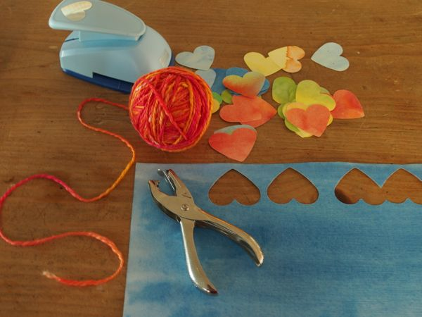 Watercolor Paper Heart Garland : www.theMagicOnions.com