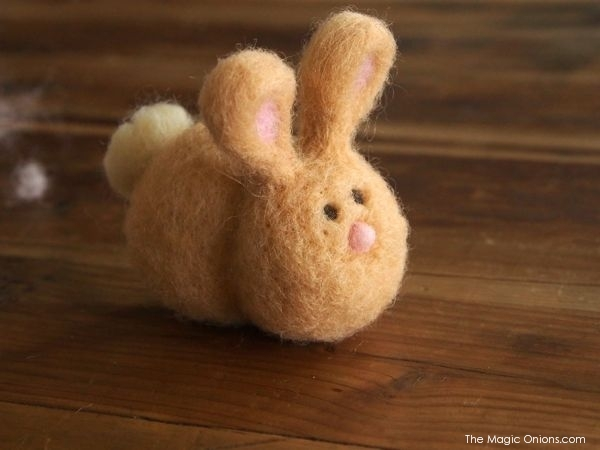 Needle Felted Easter Bunny : www.theMagicOnions.com