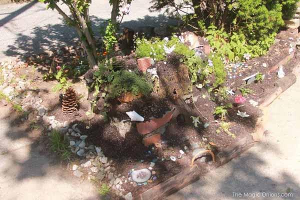 Kid Friendly Fairy Garden : www.theMagicOnions.com