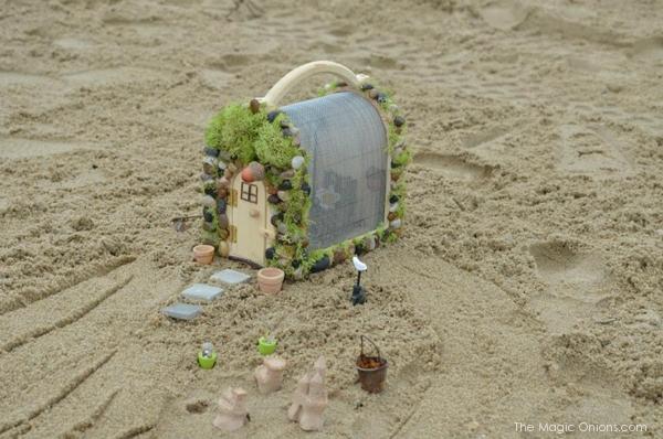Beach Fairy House : Fairy Garden Contest : www.theMagicOnions.com