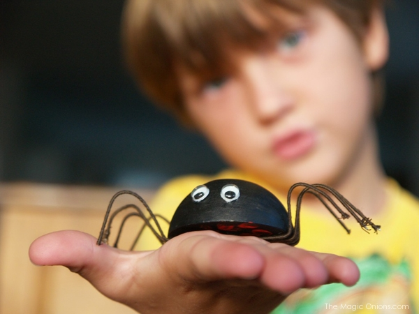 Make a Spider for Halloween : The Magic Onions Blog