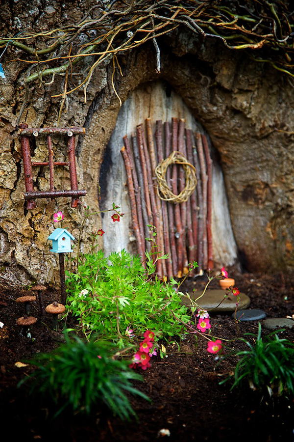 Winner : 2014 Fairy Garden Contest on The Magic Onions Blog : www.theMagicOnions.com