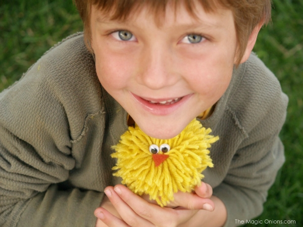 No-Sew Yarn Chick That Kids Can Make