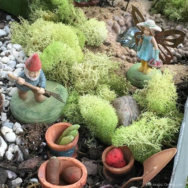 photo of a magical fairy garden from www.FairyGardens.com
