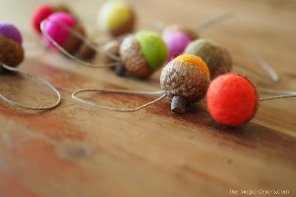 Felted Acorn Ornaments :: DIY Tutorial :: www.theMagicOnions.com