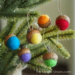 Felted Acorn Ornaments :: DIY Tutorial