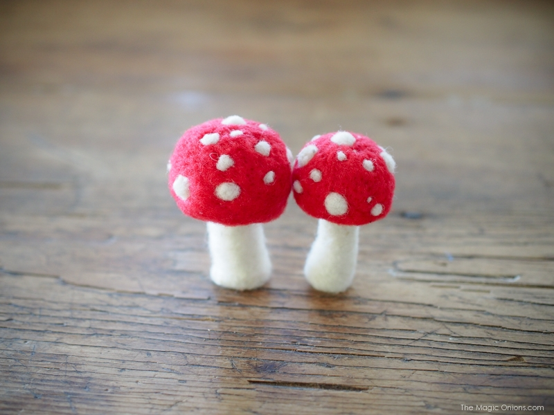 Video Tutorial :: Needle Felted Toadstools :: DIY Instructions