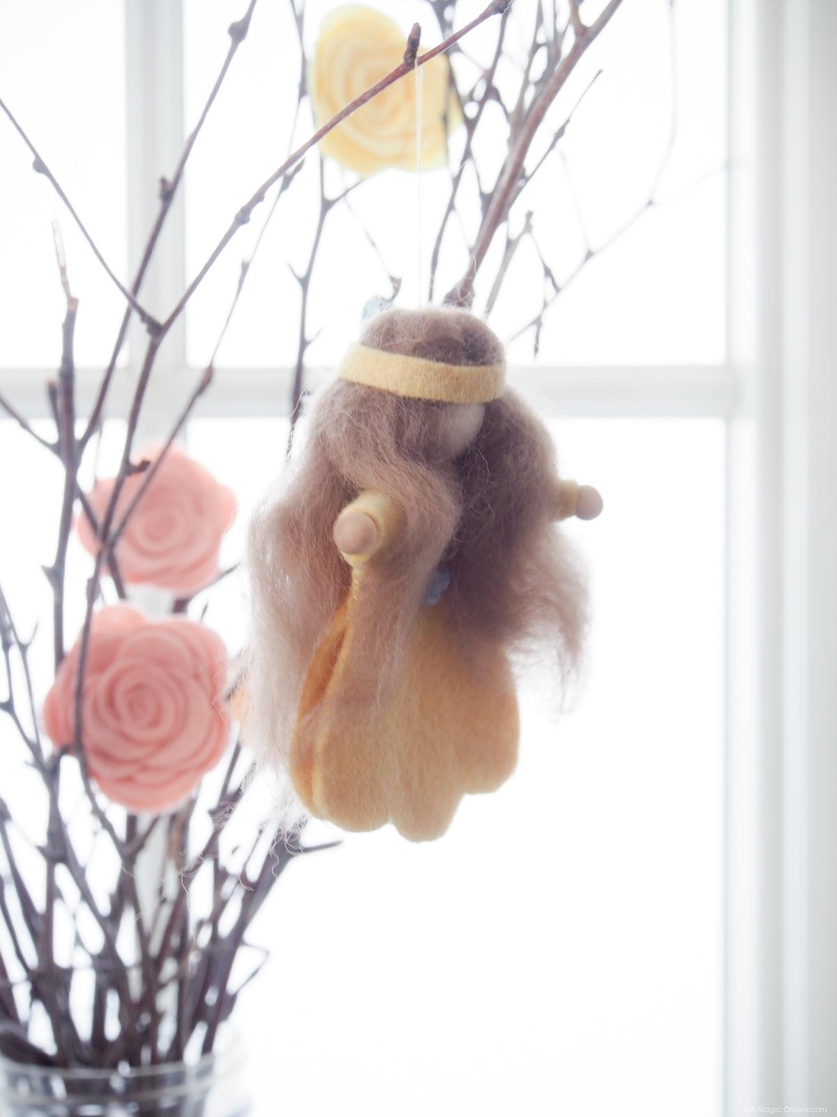 Spring Felt Flower Fairy :: DIY Felt Tutorials :: www.theMagicOnions.com