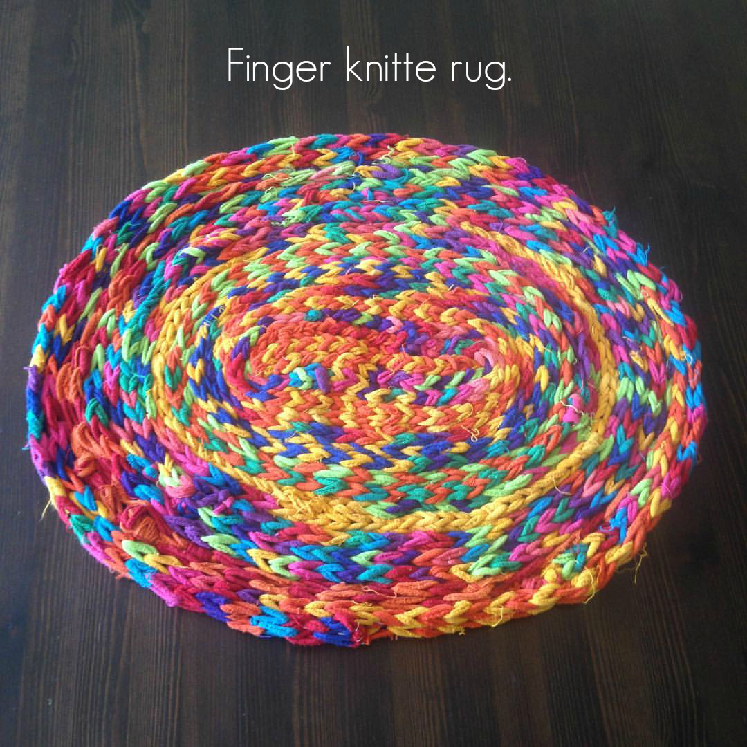 Finger Knitting For Kids : Finger knitted yarn flowers a diy tutorial for kids