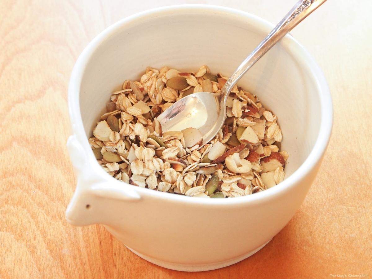 Healthy Homemade Granola Recipe : www.theMagicOnions.com
